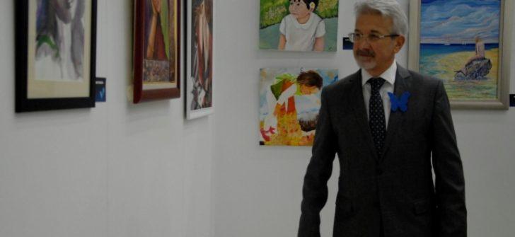 Erdem, ''Kadın ve Umut Haftası'' sergisini gezdi