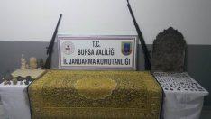 Bursa'da 'altın ve yakut işlemeli halı'ya müşteri ararken yakalandılar