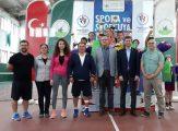 Osmangazi'de genç tenisçiler, profesyonelleri aratmadı