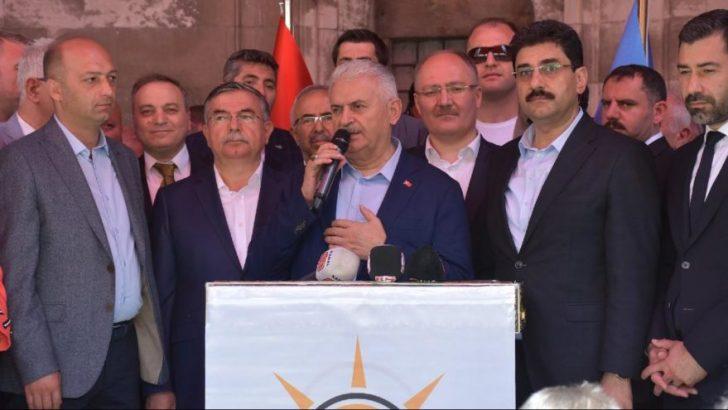 'AK Parti'de bir panik var, Binali Bey'e yazık'