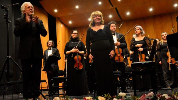 Bursa Bölge Devlet Senfoni Orkestrası, İdil Biret'i konuk etti