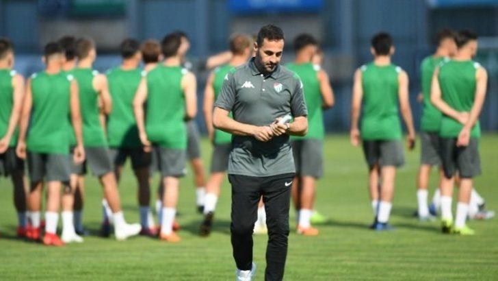 Bursaspor Teknik Direktörü Koşukavak, taraftarlardan destek istedi