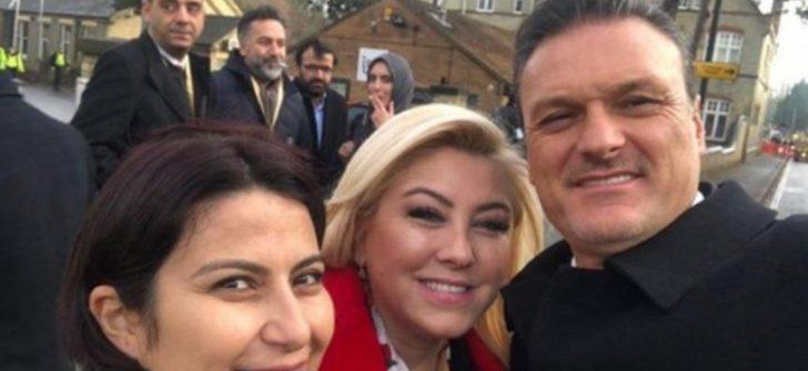 AKP'li vekil, İngiltere'de bu pozu verdiği sıralarda Meclis'te oy kullandı