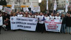 Tüm Emekli-Sen Bursa Şubesi üyelerinden tencere-tavalı protesto