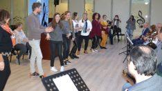 Avrupalı öğretmenler, Bursa'da Harmandalı oynadı