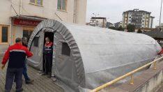 Bursa'da hastane bahçelerine triaj çadırları kuruldu